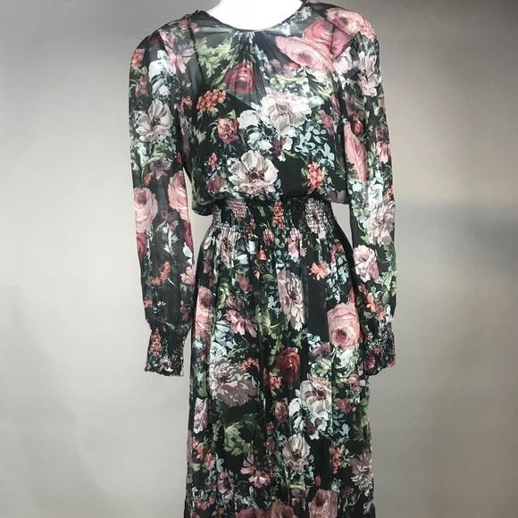a756fce0073 Floral Maxi Dress from Zara. M 5bda5ae945c8b3baf638c557